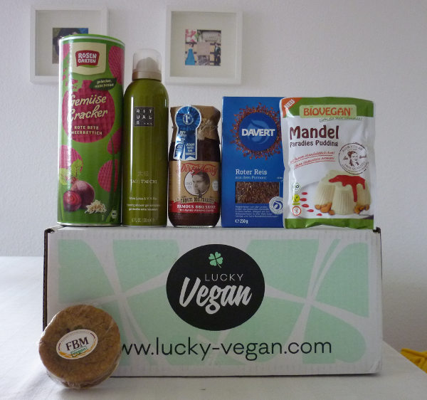 2015-09-12 Lucky Vegan Box August